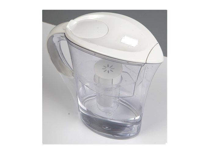 Small Water Filter Jug For Healthy , Fashionable Design Drinking Water Filter Pitcher